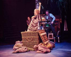 CHILDREN'S THEATRE MAGAZINE – REVIEW: Travelling Light and the Tobacco Factory Theatre's Ugly Duckling in Bristolis like a beautiful swan's feather – perfectly constructed