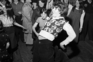 STRAWBERRY LINE TIMES – EVENT: Northern Soul Night in Axbridge Town Hall this Saturday, May 12th, tickets on sale – includes home-made pies, Dr Love's music and an amazing light show (and you will work off a few pounds with all the dancing)